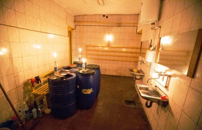 Туалет центрального автовокзала Воронежа оставили без воды и света (4 фото + видео)