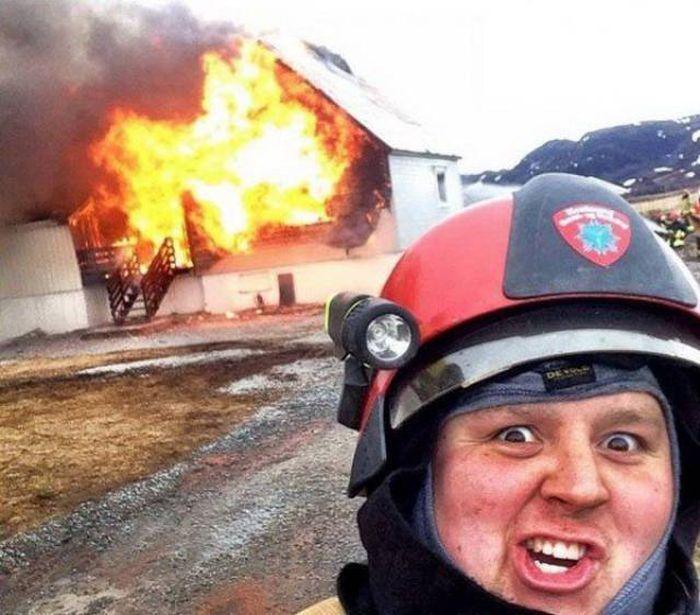 это смешные картинки про пожарных всего таким