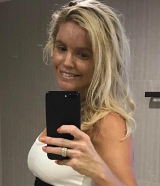 Беременная фитнес-блогер Анна Строд тоже позволяла себе кое-какие слабости (2 фото)