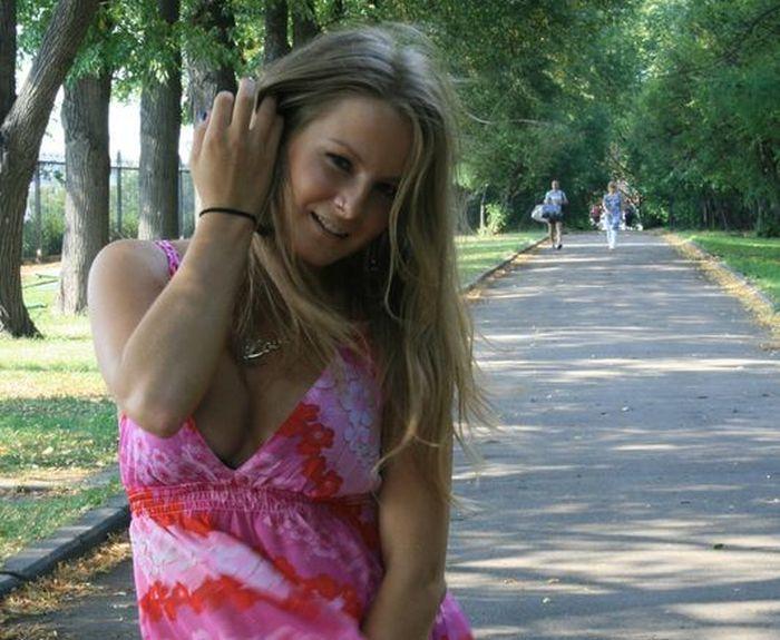Прекрасные девушки из социальных сетей (41 фото)