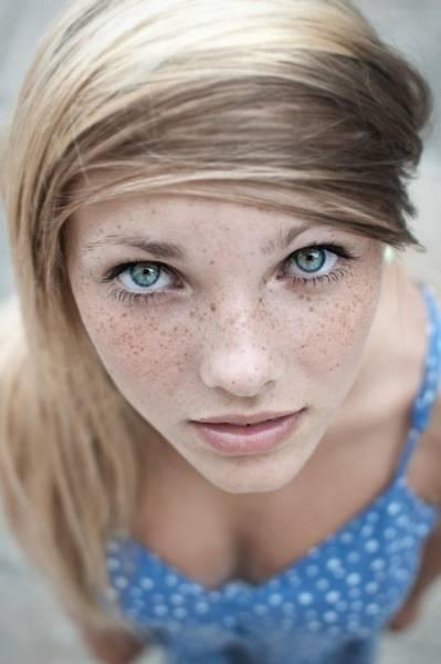 Девушки с естественной красотой (46 фото)