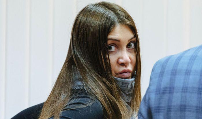 Мара Багдасарян пожизненно лишена водительских прав (2 фото)