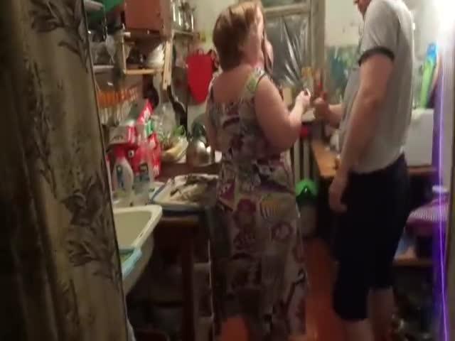В Комсомольске-на-Амуре жильцы коммуналки не поделили кухню