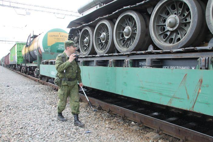 За попытку провезти танк Т-34 через границу москвич получил 3 года условно (3 фото)