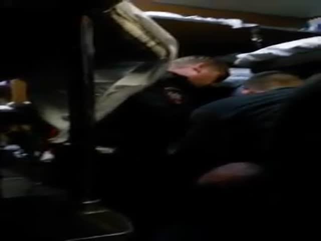 Задержание дебошира в поезде Москва - Екатеринбург