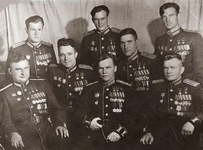 Летчики-герои Великой Отечественной войны (фото)