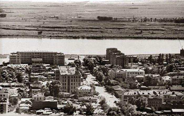 Благовещенск и Хэйхэ 37 лет назад и сейчас (2 фото)