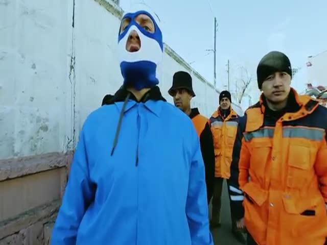 Пародийный клип на песню «Тает лед» группы «Грибы» от московских таджиков