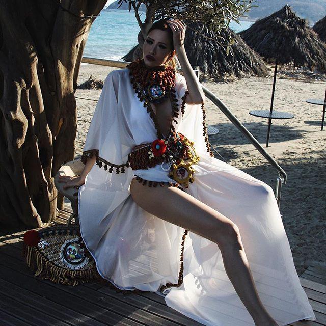 47-летнюю сербку назвали «самой красивой в мире бабушкой» (20 фото)