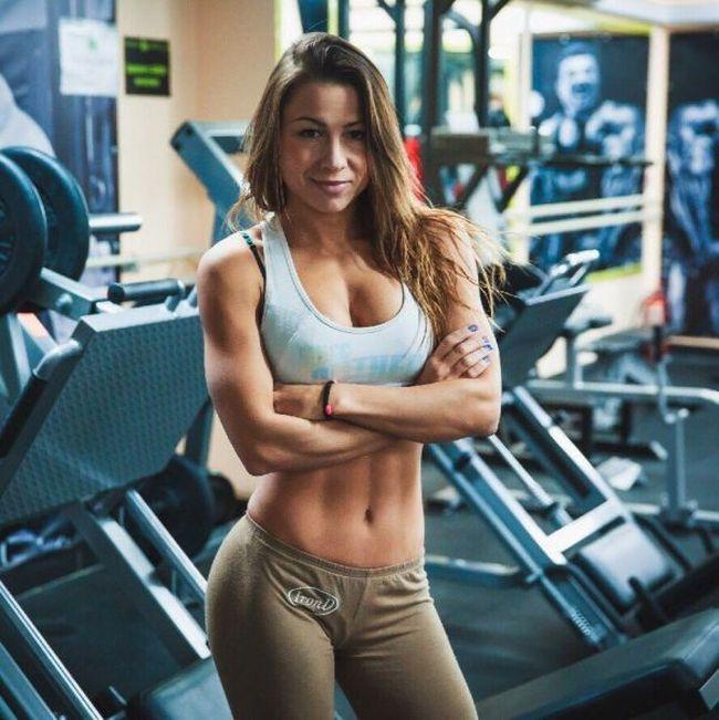 Фитнес-тренировки с Дарьей Кучерявой