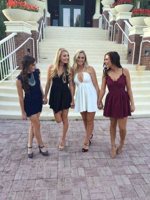 Девушки в платьях (36 фото)