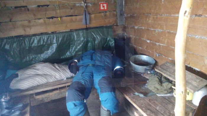 Найденный в лесу Коми монах-отшельник перед смертью нацарапал записку на дощечке (3 фото)