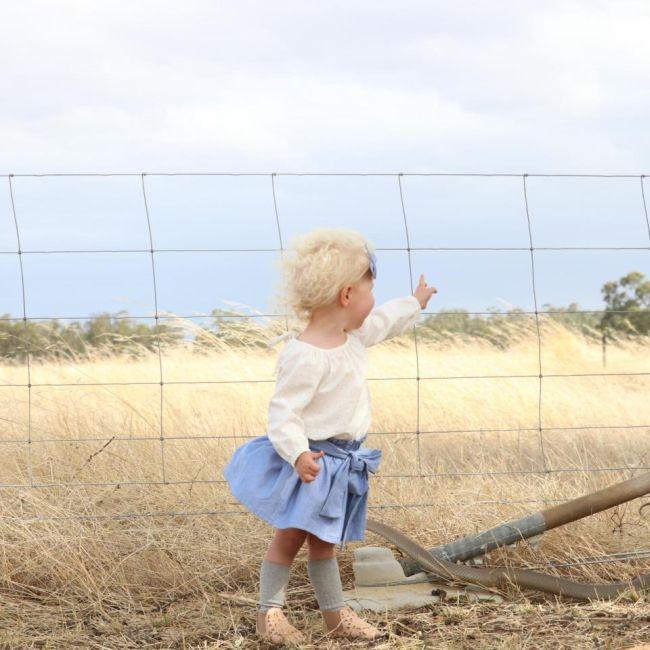 Жительница Австралии пришла в ужас, разглядывая фото своей маленькой дочери (4 фото)