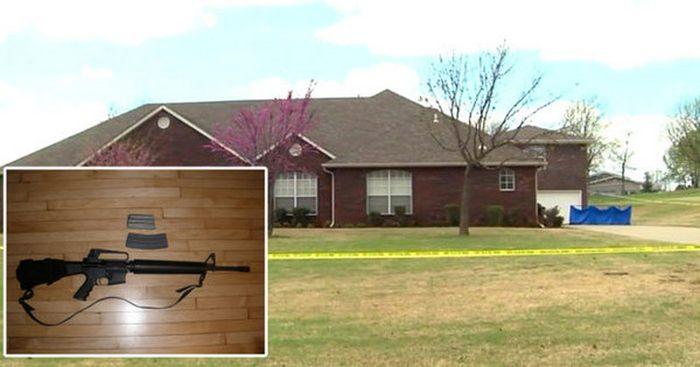 В США сын хозяина дома расстрелял из винтовки троих грабителей (4 фото)