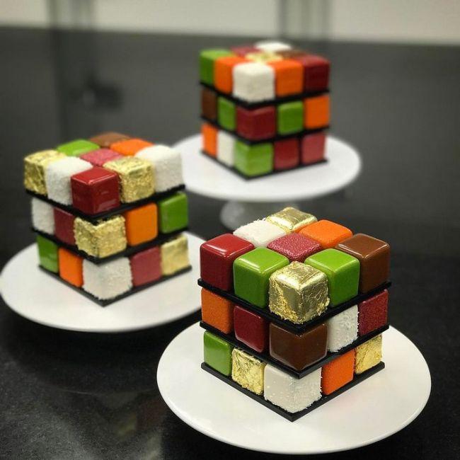 Торты в форме кубика Рубика от Седрика Гроле (8 фото)