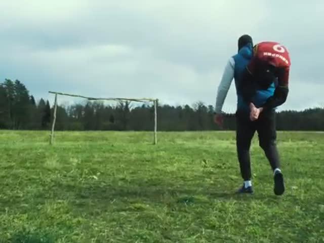 Футбольная пародия на клип группы «Грибы» - «Тает лед»
