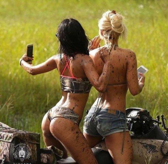 Забавные девушки. Часть 106 (56 фото)