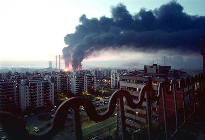 Серб избил пилота НАТО, хваставшегося бомбежками Балкан в 1999 году (3 фото)