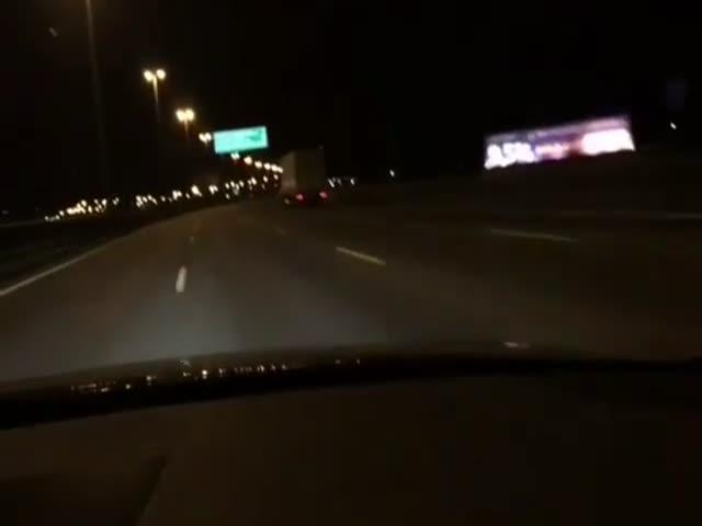 В Санкт-Петербурге автомобиль Audi проехал по КАДу со скоростью 256 км/ч