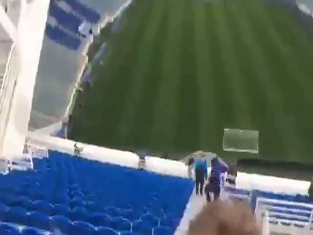 Небезопасные трибуны стадиона «Фишт» в Сочи