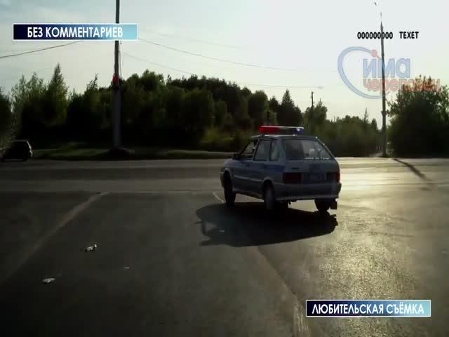 Срочный выезд полицейских спровоцировал аварию