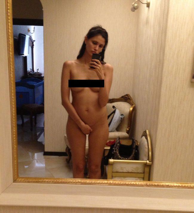Хакеры опубликовали украденные голые фото Аланы Мамаевой, жены футболиста Павла Мамаева (2 фото)