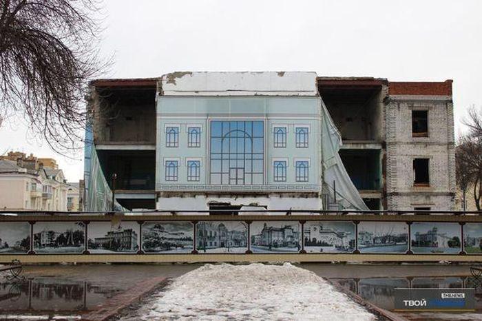 Закрытый на реконструкцию концертный зал Тамбова (2 фото)