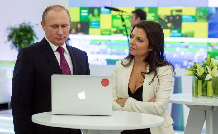 Мария Захарова о «харизме» главного редактора телеканала RT Маргариты Симоньян (2 фото)