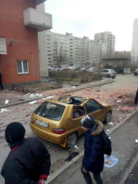 Взрыв в 16-этажке Санкт-Петербурга