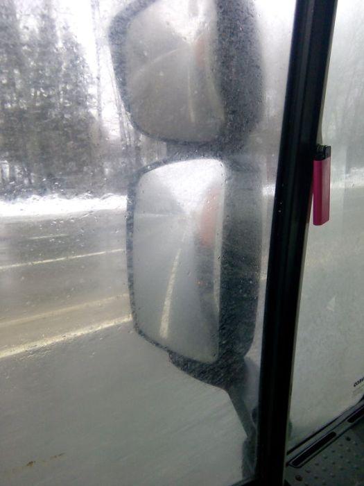 Почему необходимо ехать со светом в плохую погоду (5 фото)