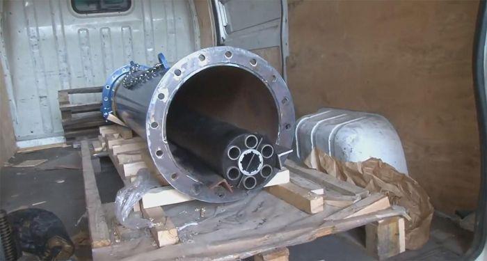 Украинки попытались ввезти в Польшу зенитное орудие (8 фото)