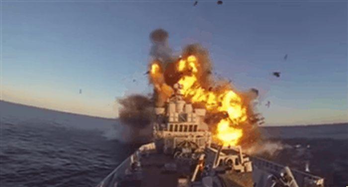 Оружие военно-морского флота (20 гифок)