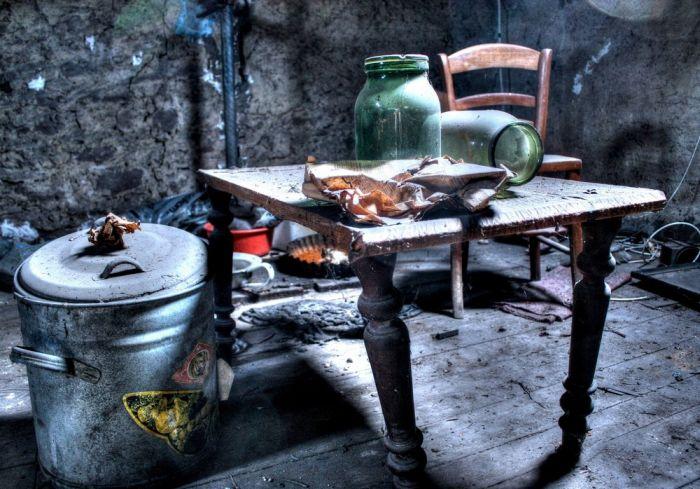 Дом в Люксембурге, брошенный во времена Второй мировой войны (13 фото)