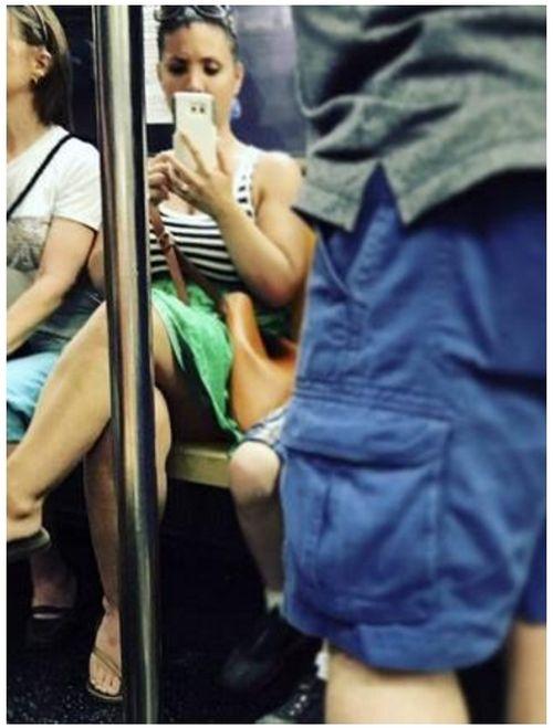 Актриса Наоми Уоттс опубликовала снимок сфотографировавшей ее девушки (2 фото)