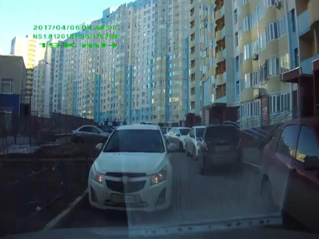 Полицейские отказались освобождать дорогу
