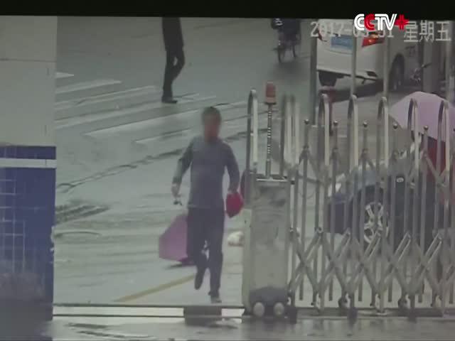 Вор случайно забежал в полицейский участок после кражи