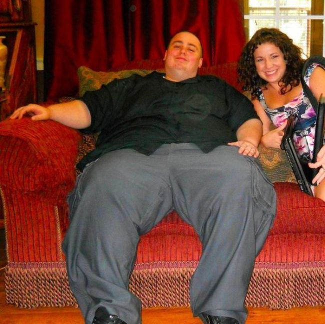 Парень решил бороться с лишним весом и похудел на 114 кг (12 фото)