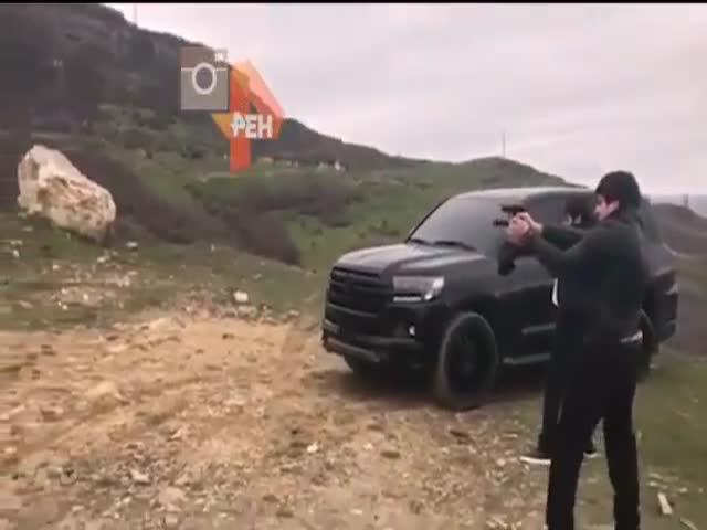 Видео злостного нарушителя ПДД возмутило пользователей сети