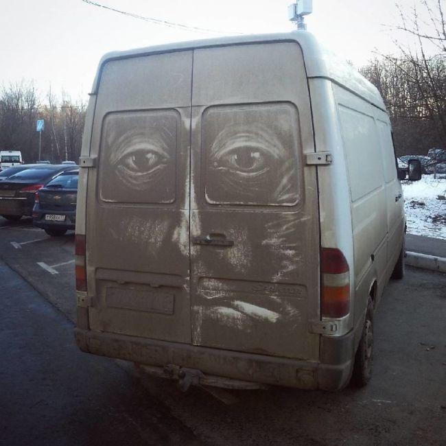 Прекрасные рисунки на грязных машинах (9 фото)