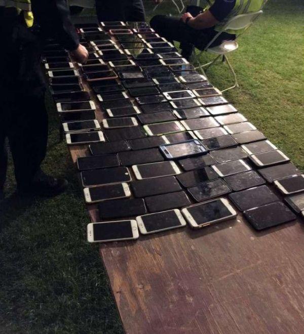 На фестивале «Коачелла» вор украл более 100 телефонов в течение дня (2 фото)