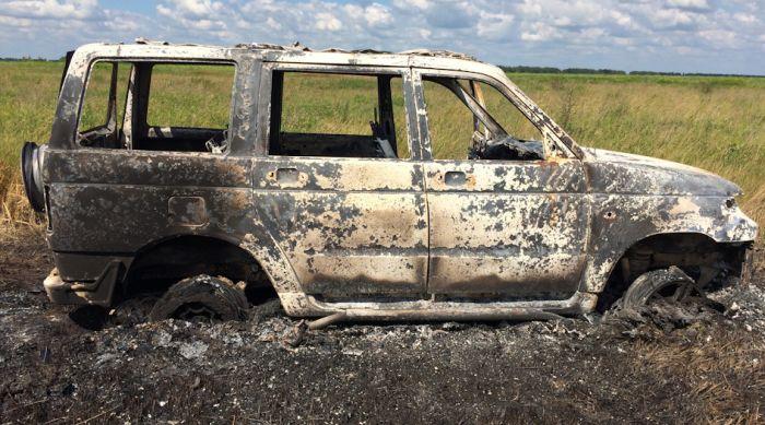 УАЗ требует деньги с водителя сгоревшего внедорожника «Патриот» (9 фото)