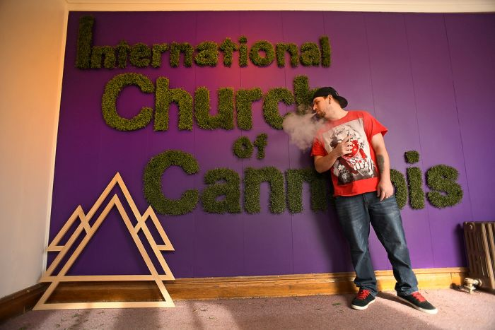 В Денвере открылась международная церковь марихуаны (9 фото)