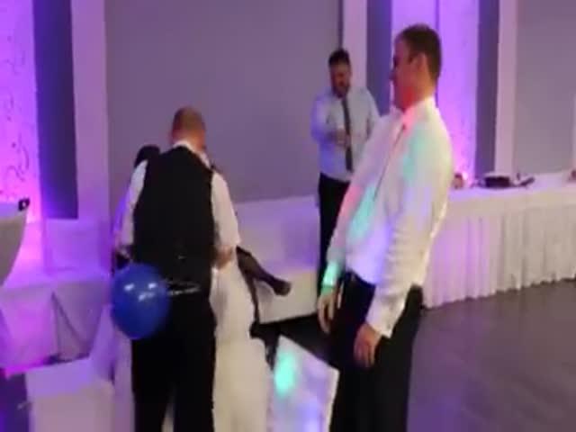Забавный свадебный конкурс