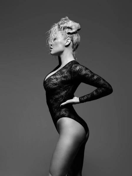 Памела Андерсен снялась в рекламе нижнего белья (8 фото)