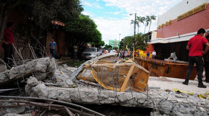 В Парагвае банда из 50 человек украла 40 миллионов долларов (16 фото + 2 видео)