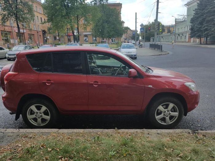 Автомобилистка из Челябинска пострадала из-за мошенника на машине-клоне (4 фото)