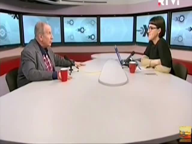 Писатель Михаил Веллер облил чаем ведущую «Эхо Москвы» Ольгу Бычкову
