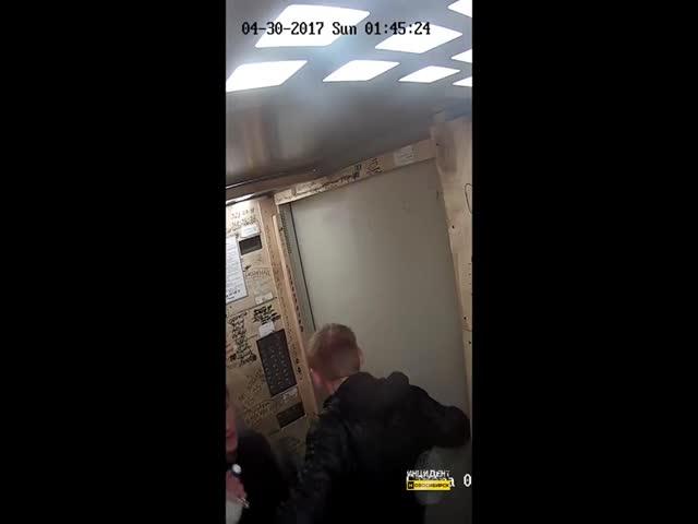 Вандалы в лифте