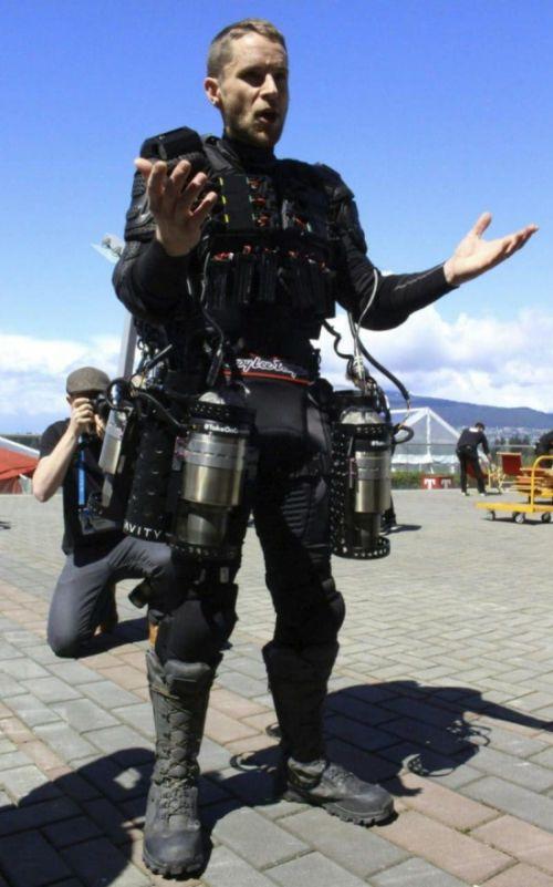 Прототип летающего костюма «Железного человека» (3 фото + видео)