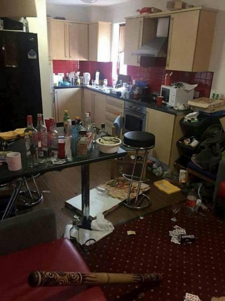 19-летняя студентка одержала победу в конкурсе на самое грязное жилье Великобритании (16 фото)